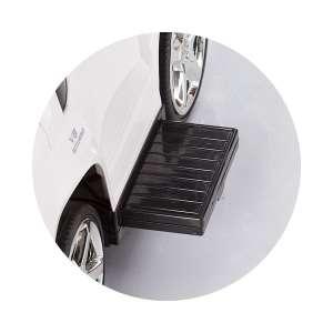 Chipolino Mercedes Benz GL63 AMG Bébitaxi tolókarral #fehér