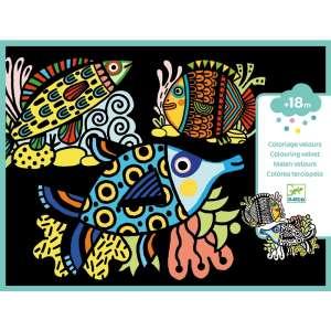Pretty fishes 30403722