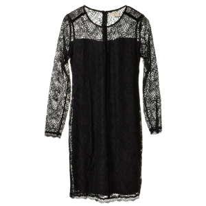 Cream fekete, csipkés, virágos női ruha – 38 31068032 Női ruha