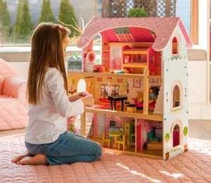 Ecotoys 3 szintes Tündérlak fa Babaház bútorokkal és babákkal