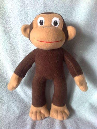 George a bajkeverő majom plüssfigura